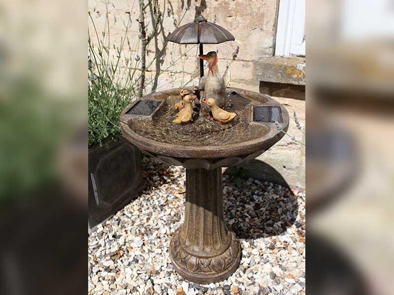 Smart Garden Solar Duck Family Fountain
